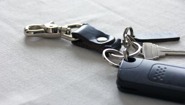 車の鍵交換の費用はどのくらい?注意点と依頼先の選びかた解説します